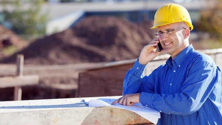 Bauleiter im Dienst