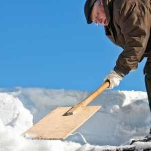 Schnee auf dem Dach – Das gilt es zu beachten