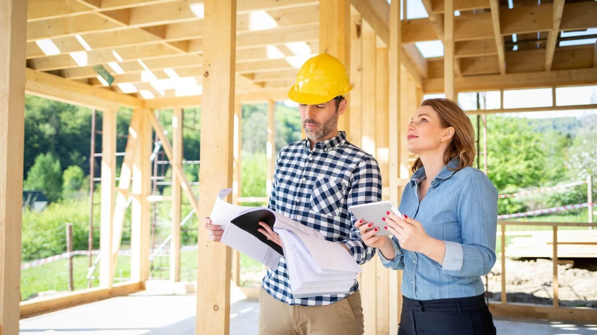 Bauleute auf der Baustelle