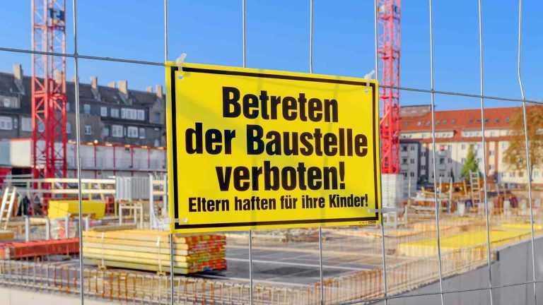Baustellensicherung durch Baustellenschild