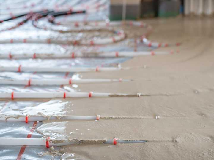 Fußbodenheizung mit Fließ-Estrich