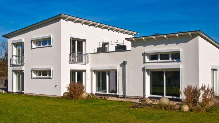 Haus mit zwei Pultdächern