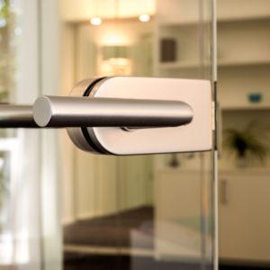 Wohnidee: Eingangs- und Innentüren aus Glas