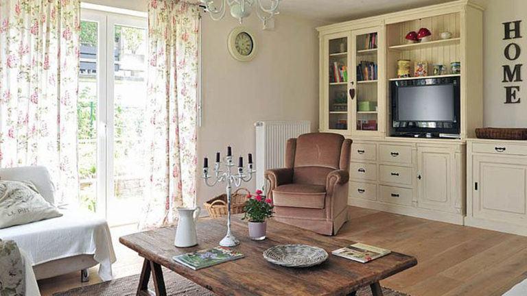 Gemütliches Landhaus-Wohnzimmer