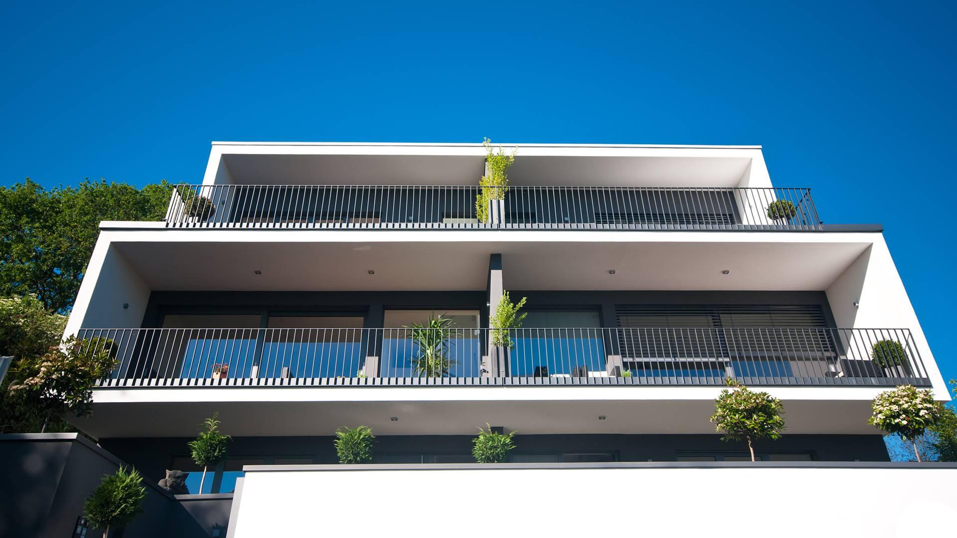 mehrfamilienhaus abgetrennte balkone