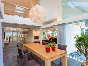 Modernes Fachwerkhaus Ess- und Wohnbereich
