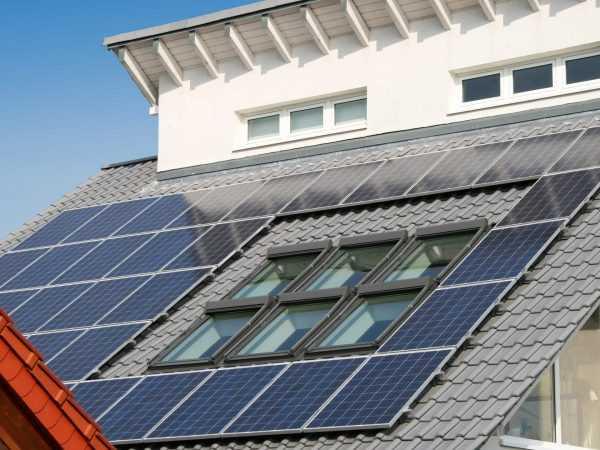 Photovoltaikanlage auf einem Plusenergiehaus