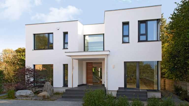 Zweigeschossiges Kubus-Haus