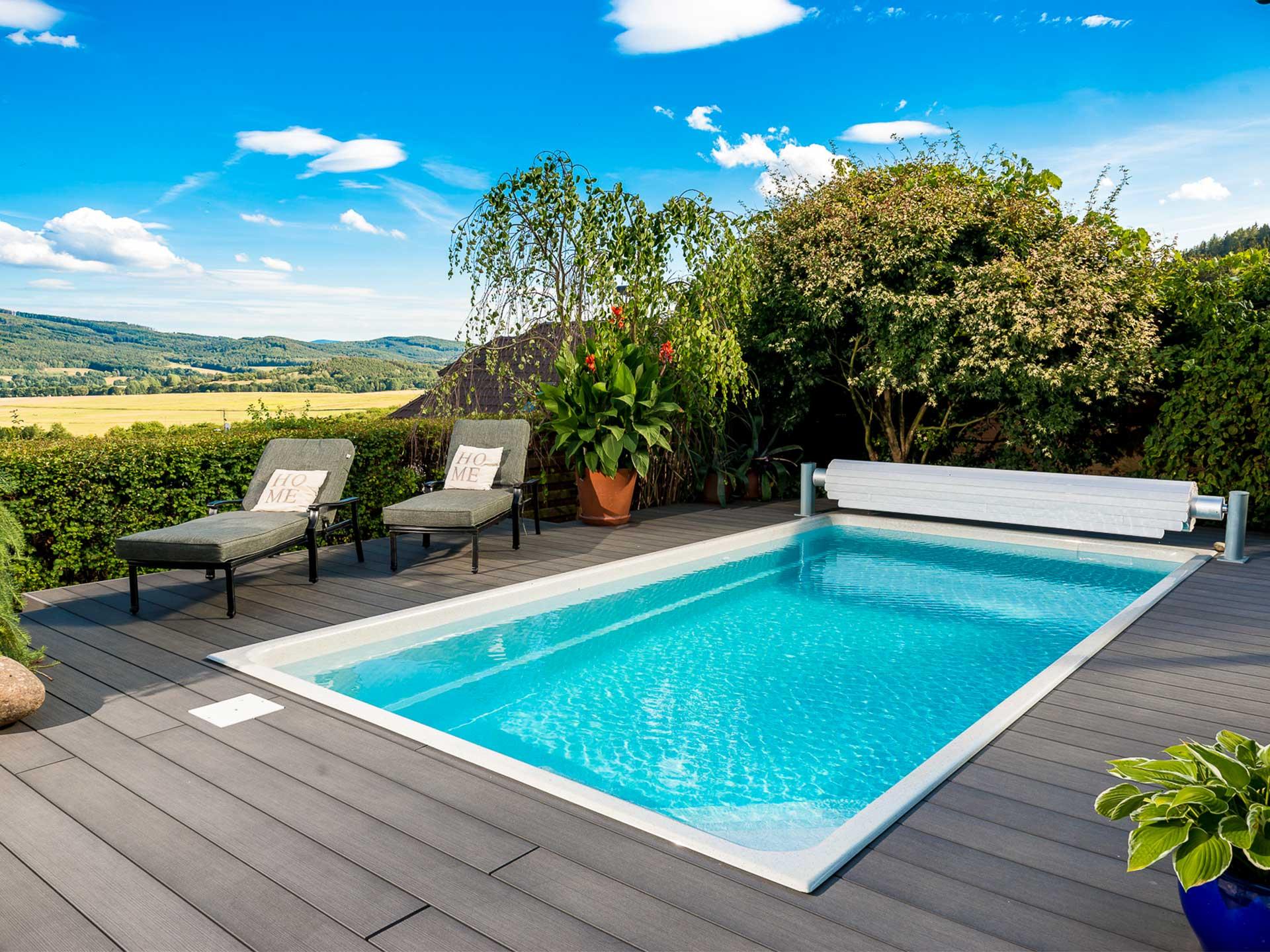 Upoolia Pool