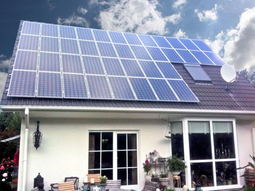 Eigenheim mit Solardach der Ever Energy Group