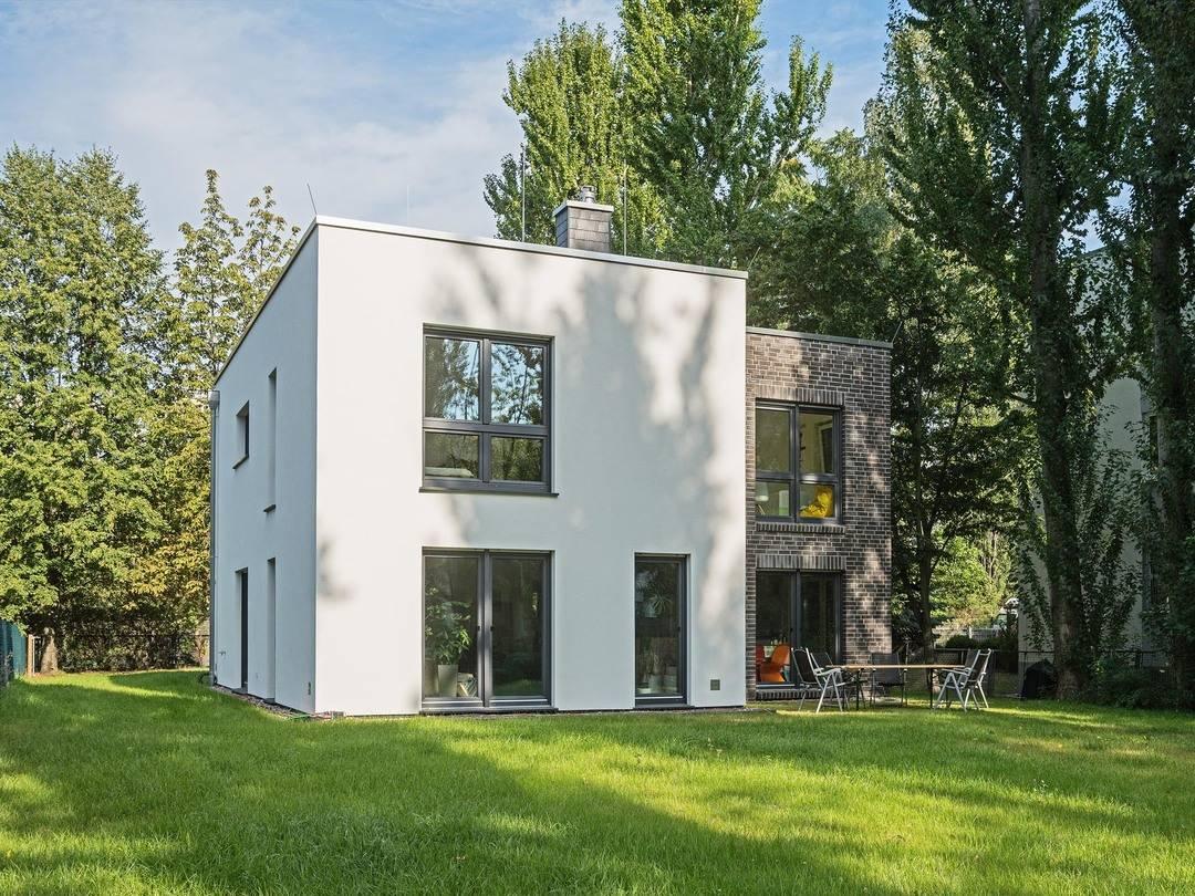 Bau GmbH Roth Cube mit Flachdach