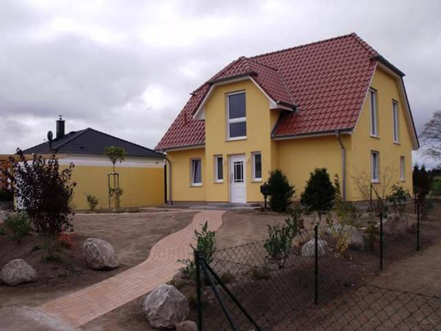 Trave Massivhaus -  Viergiebelhaus Kuehlungsborn
