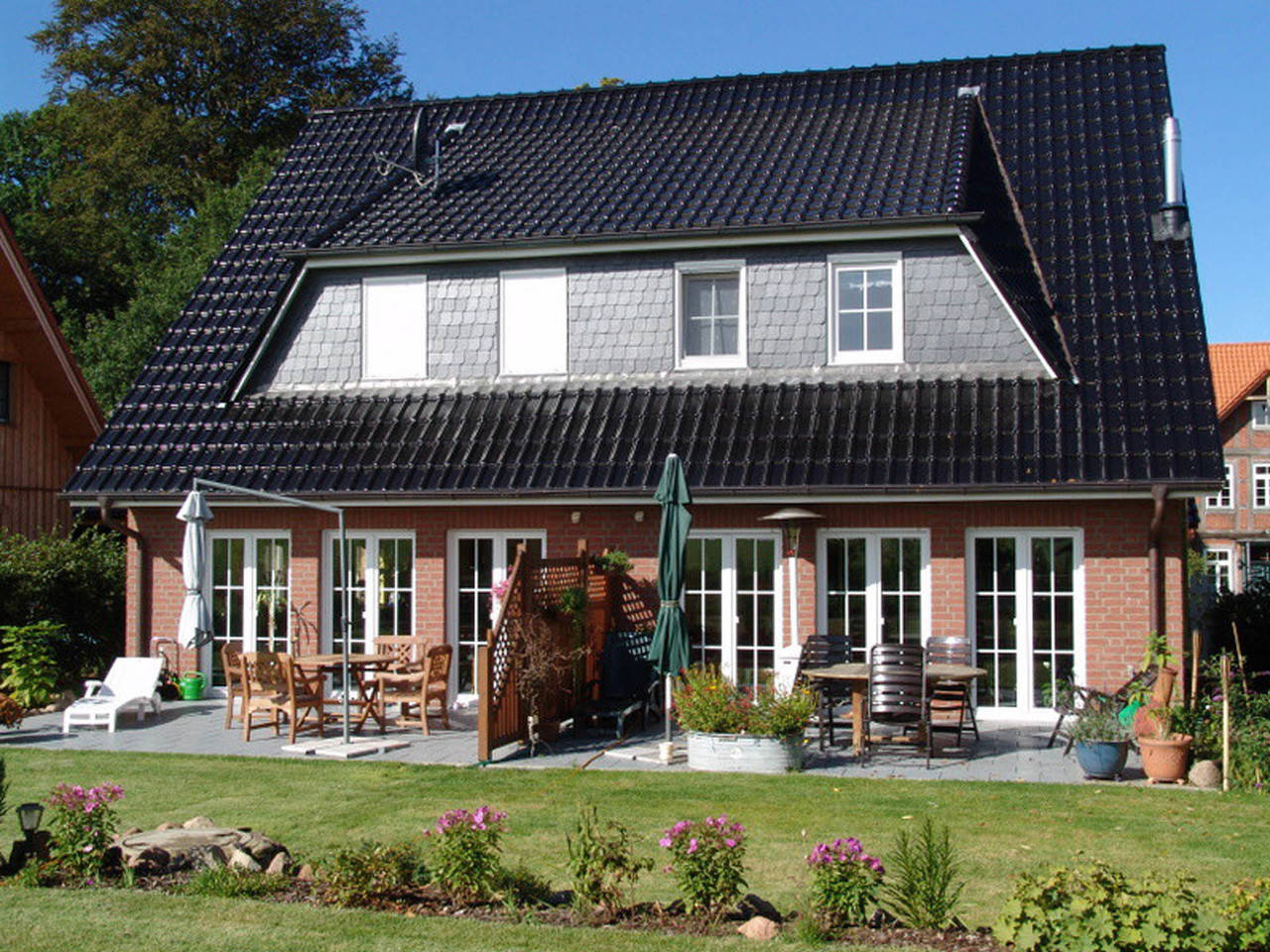 Doppelhaus Logo-Bau