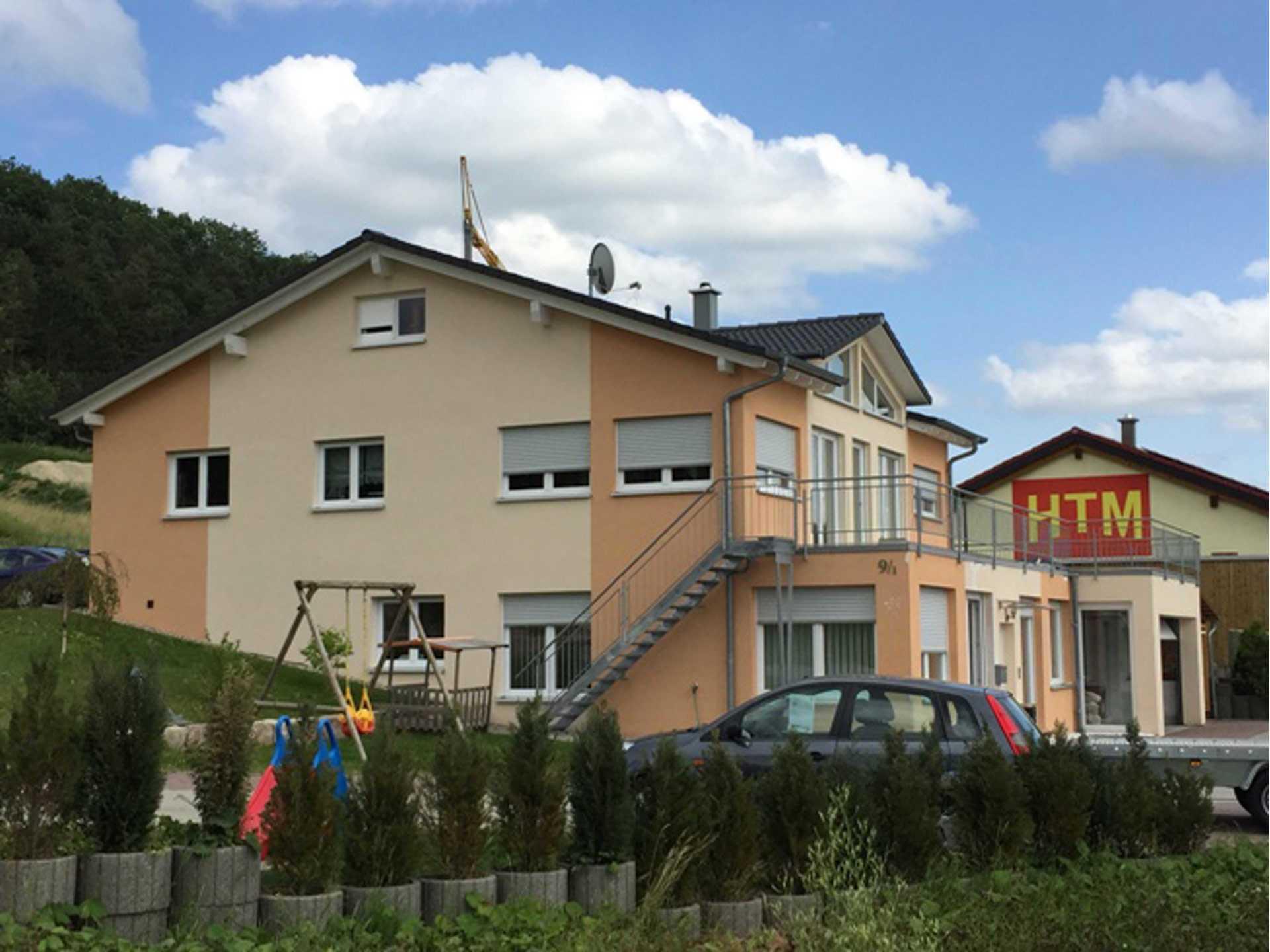 HTM Bausatzhaus Firmengebäude