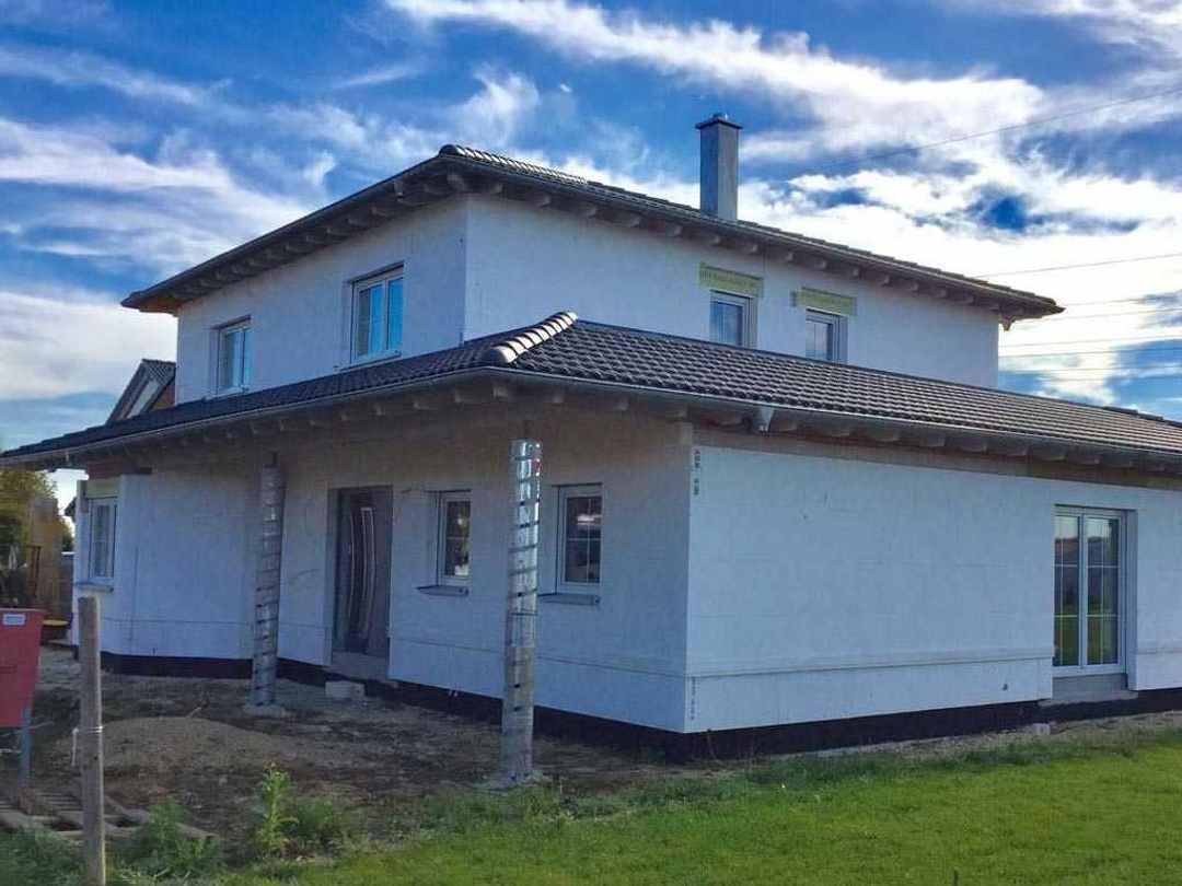 Villa mit Staffelgeschoss - HTM Bausatzhaus