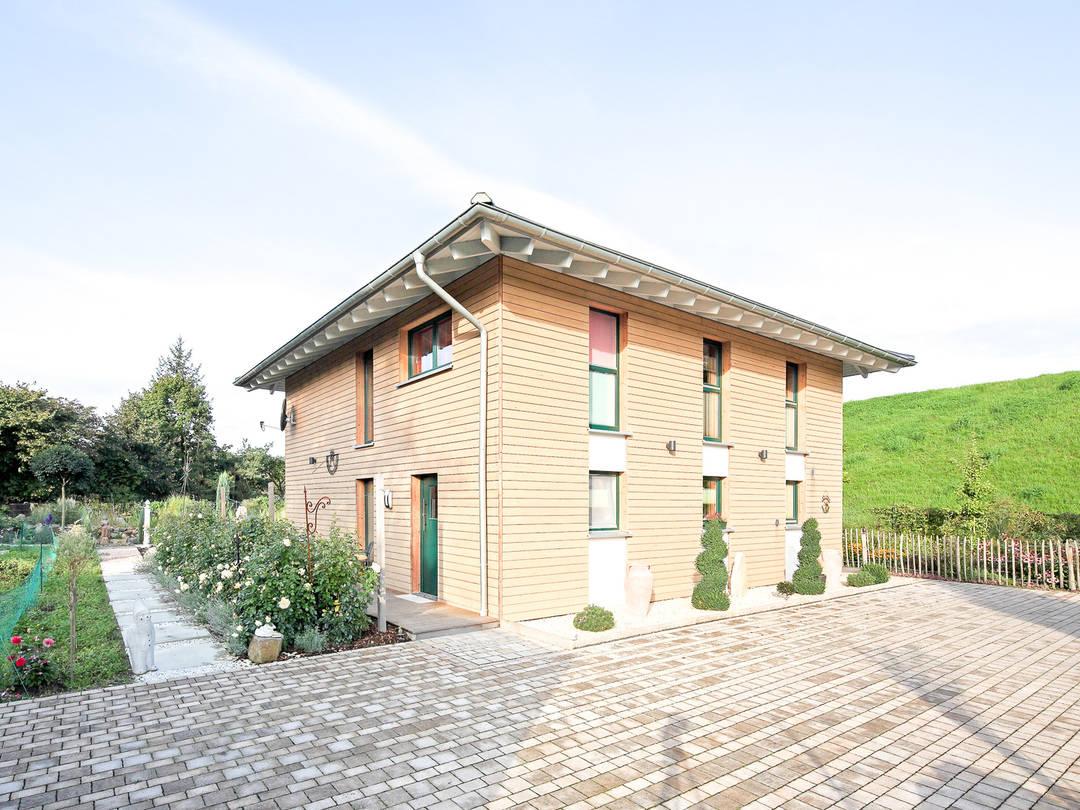 Beispielhaus 3 von Holzbau Becker & Sohn