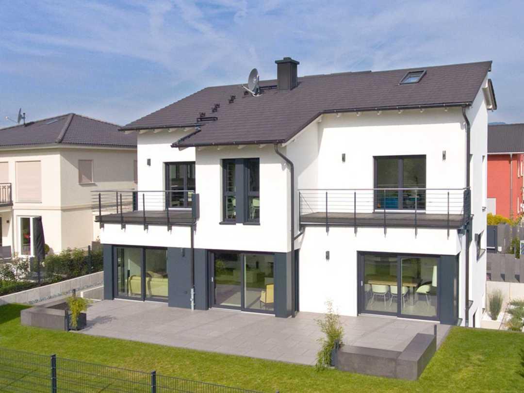 Dexturis-Bau Einfamilienhaus mit Satteldach