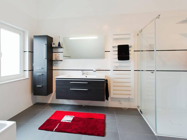 Innenansicht Badezimmer - Einfamilienhaus Brilo - Fingerhut Haus