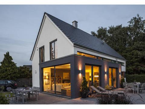 Medium Haus Vettel Ansicht 1 - Plan Concept Massivhaus GmbH