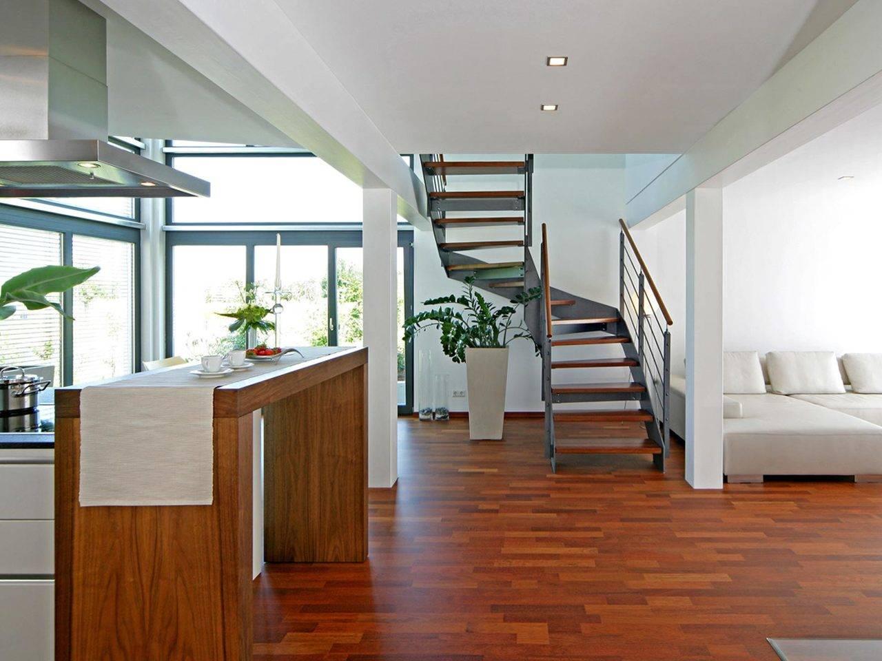 Innenansicht auf die offene Treppe