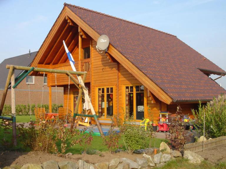 Außenansicht Holzhaus Remme Gartenseite