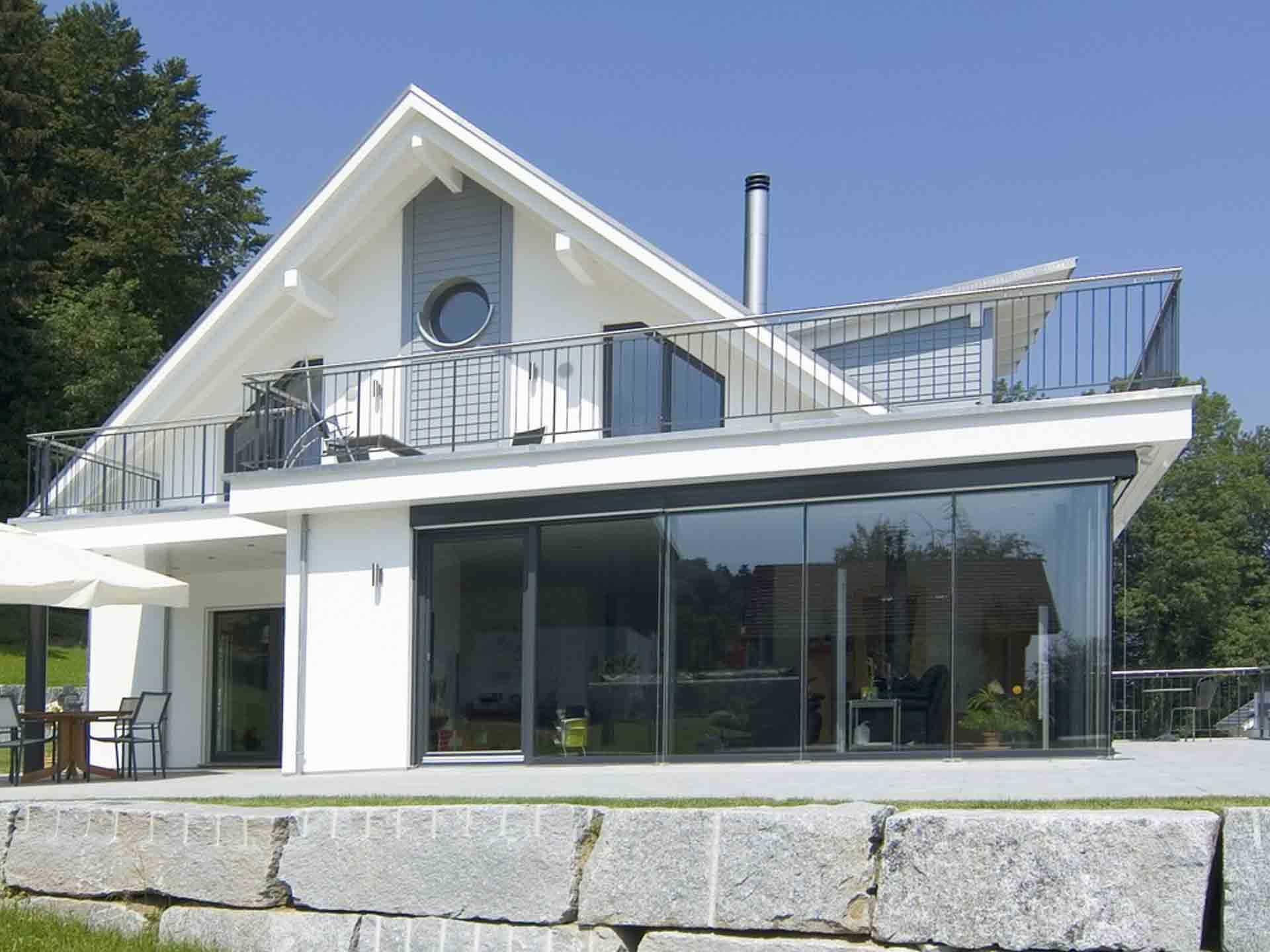 Einfamilienhaus mit Hanglage - WeberHaus | Musterhaus.net