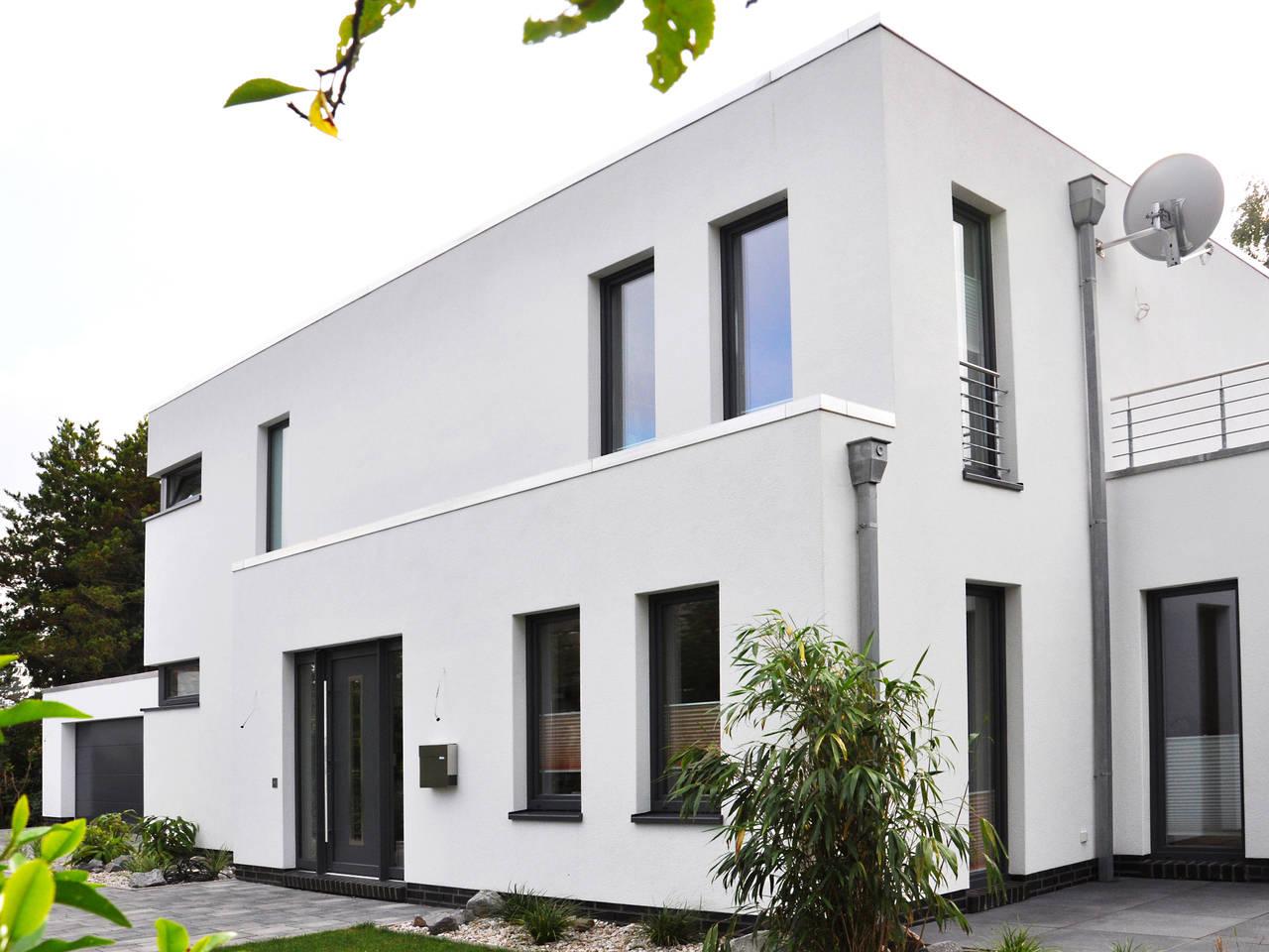 Flachdachhaus im Bauhausstil von Tönjes & Meichsner