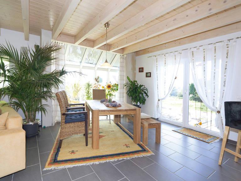 Individuelles Haus 2 Wohnzimmer von Zimmermann Haus