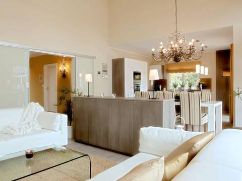 Elegance 122 W von Hartl Haus Wohnzimmer