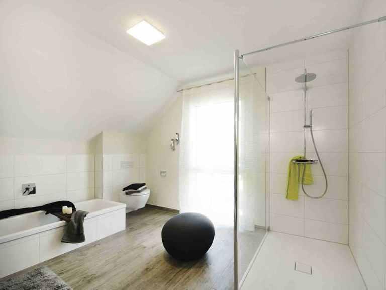 Musterhaus Balance 250 - WeberHaus Badezimmer