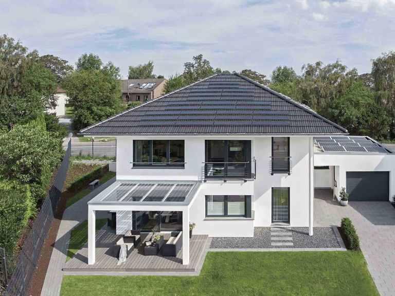Musterhaus CityLife 250 - WeberHaus Gartenansicht