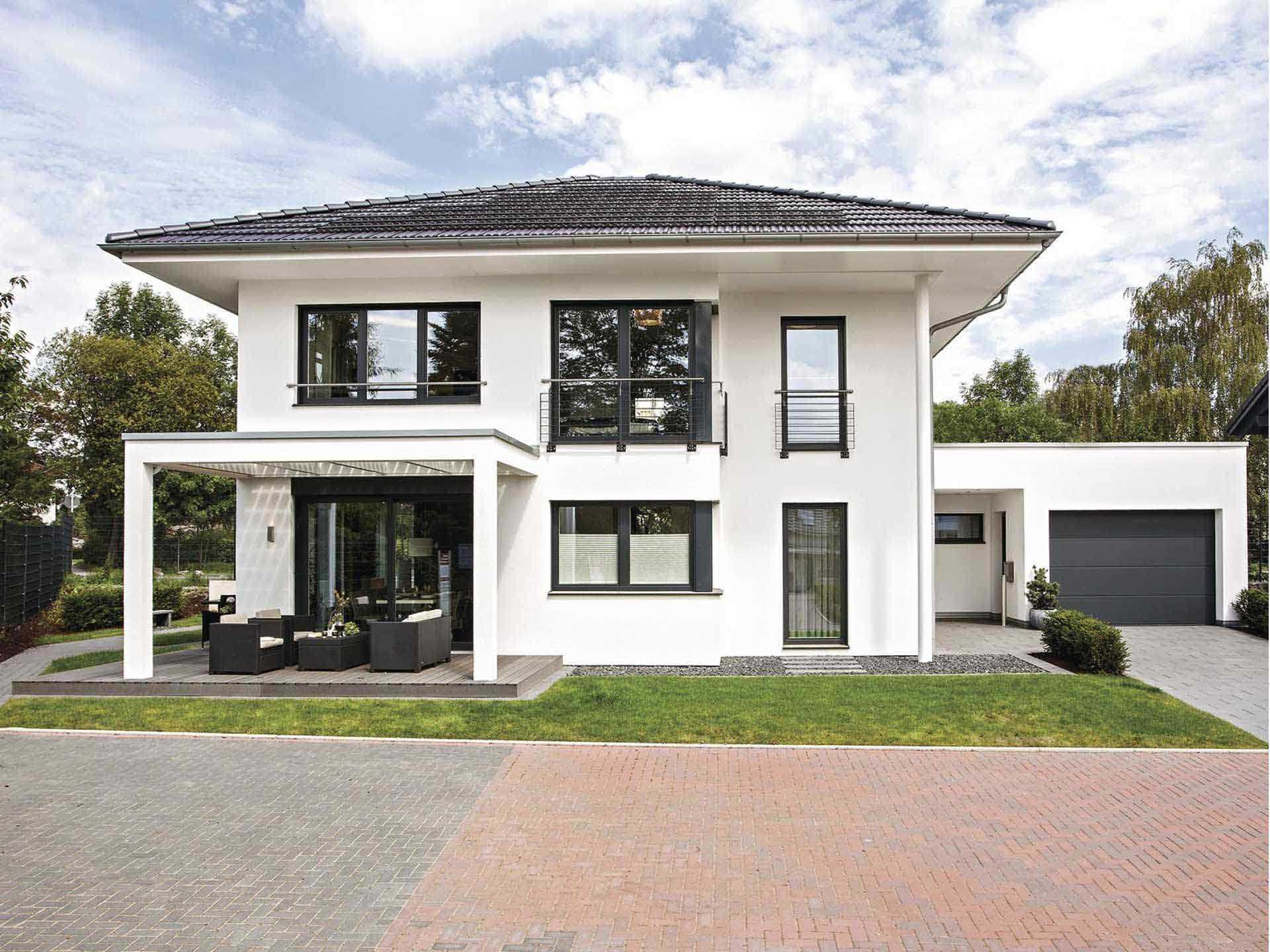 Musterhaus citylife 250 weberhaus for Walmdach modern