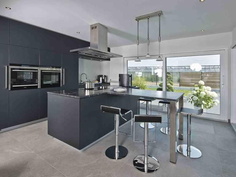 Luxusvilla im Bauhaus-Stil - WeberHaus Küche
