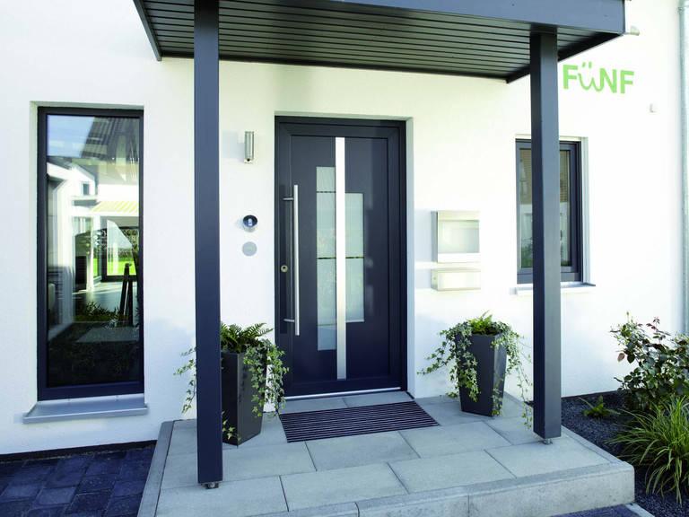 Eingangsbereich Frei geplantes Kundenhaus von FingerHaus