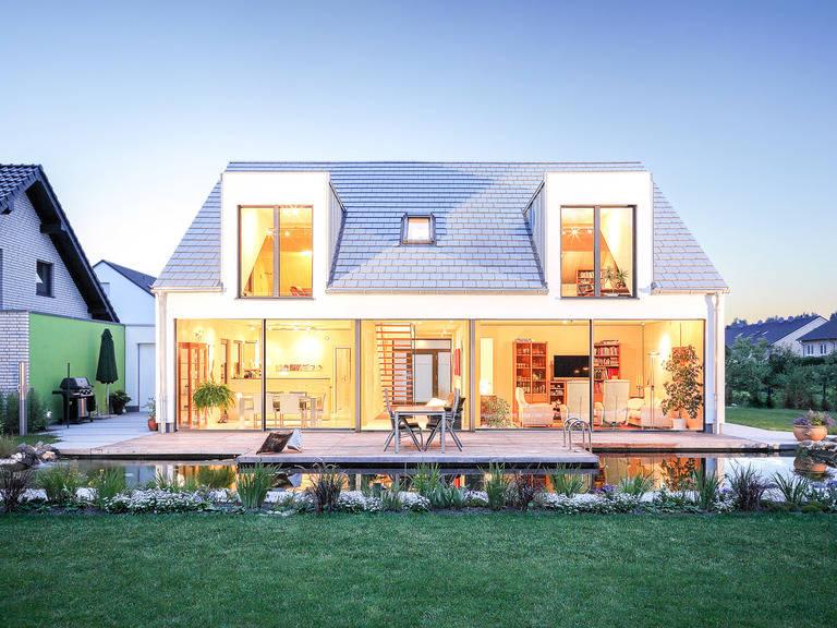 Aussenansicht 2 Haus Waldblick von Becker360