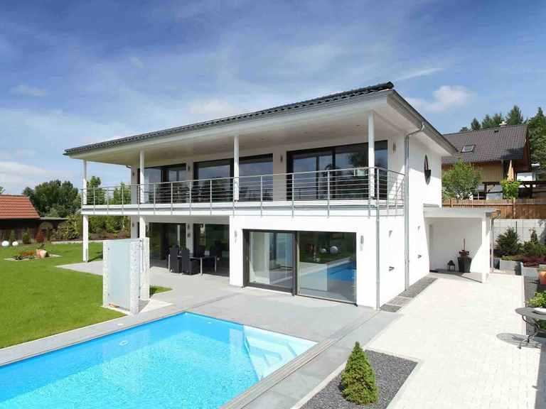 Stadtvilla Riederle - Baufritz Außenansicht: Pool