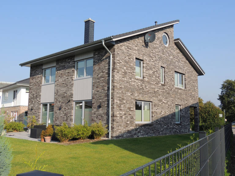 Haus 5 - versetztes Pultdach von kruse-haus