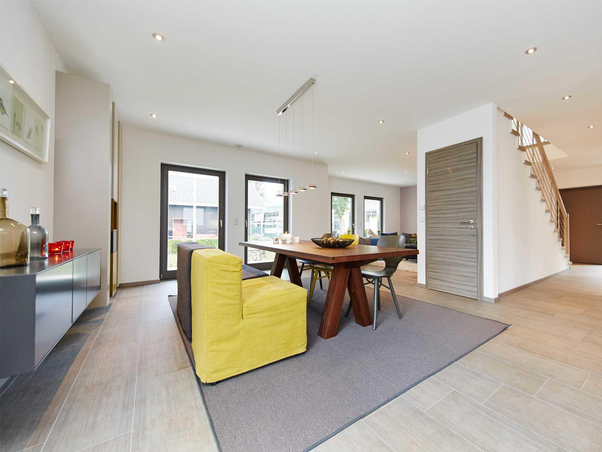 Wohnzimmer musterhaus home design inspiration und m bel for Wohnzimmer 36 berlin