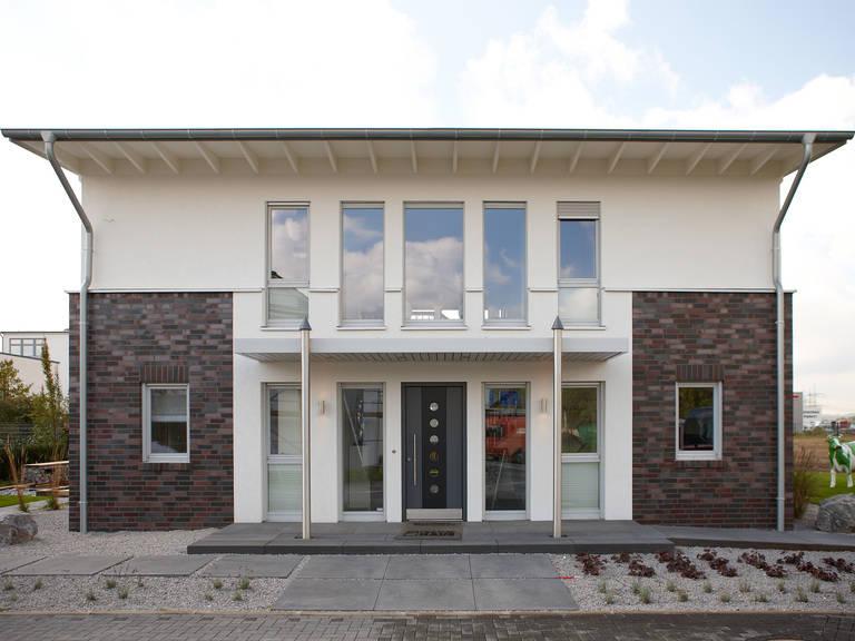 Musterhaus Diana von Gussek Haus Aussenansicht Front