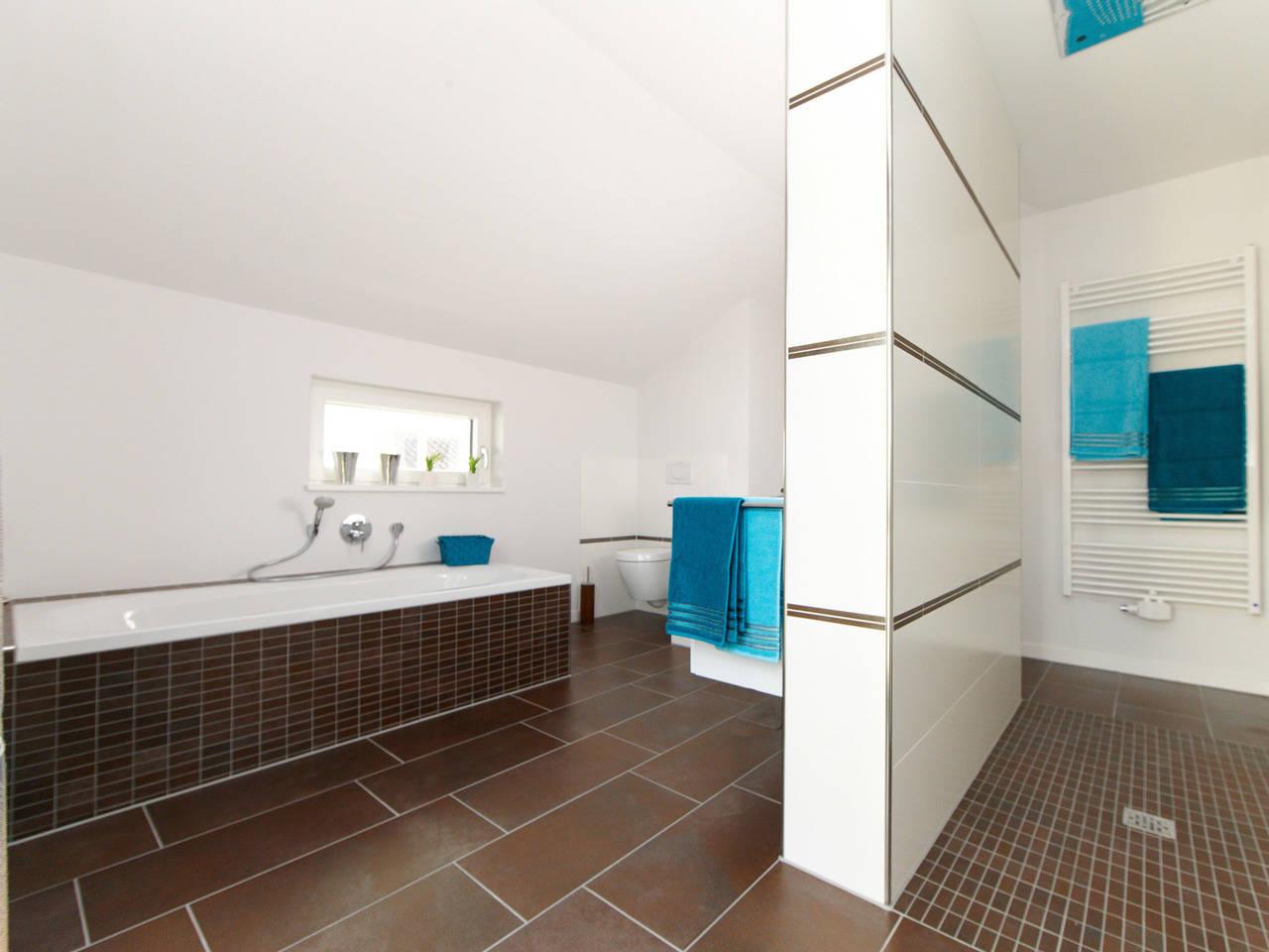 Musterhaus Mila von Gussek Haus - Badezimmer