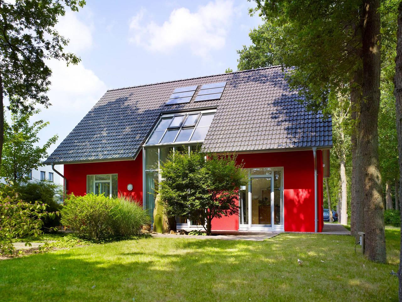 Musterhaus Svenja von Gussek Haus - Gartenansicht