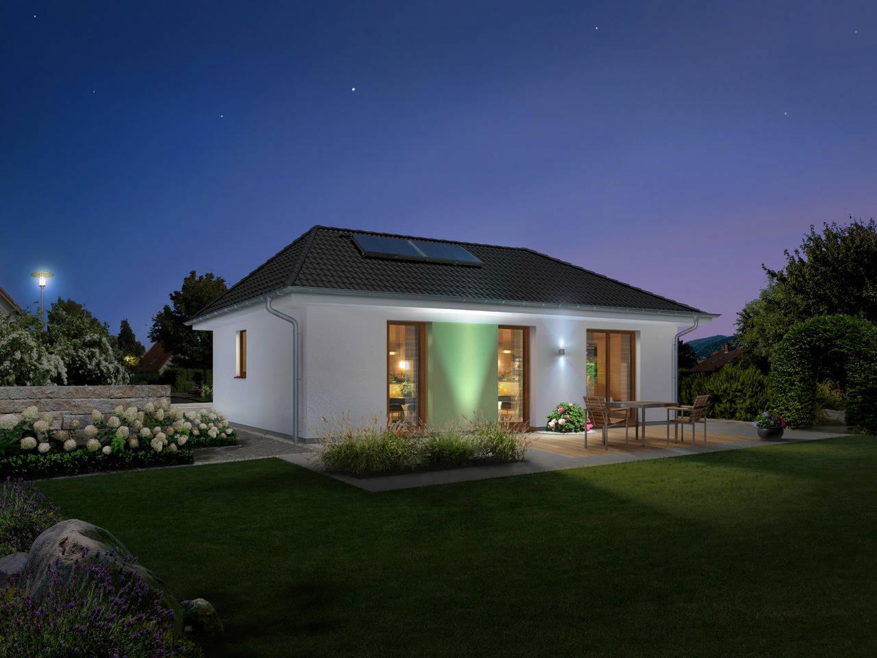 Bungalow 78 bei Nacht von Bauprojektierung Meyer - Town & Country