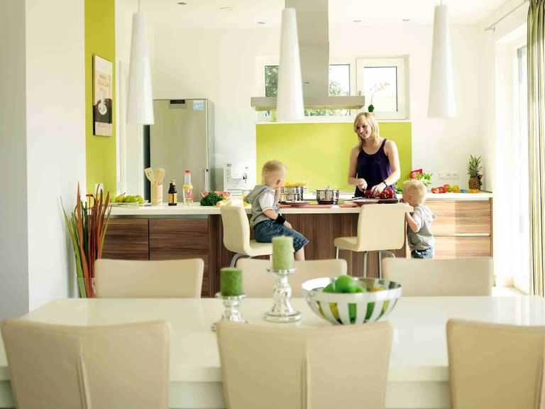 Variant 45-192 - HANSE-HAUS Offene Küche und Essbereich