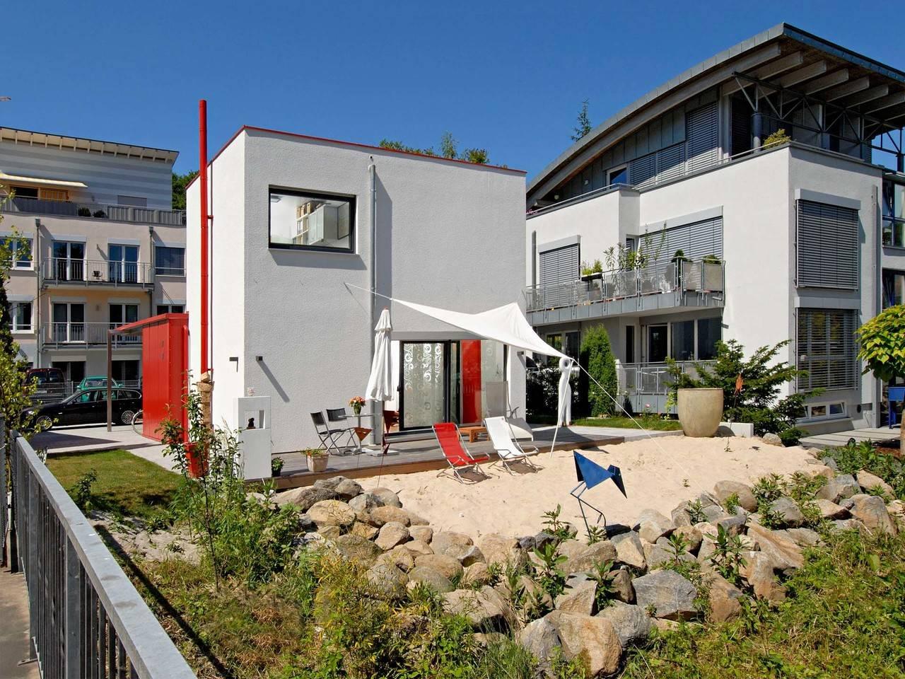 Haus Dorstewitz Fertighaus Weiss Gartenansicht