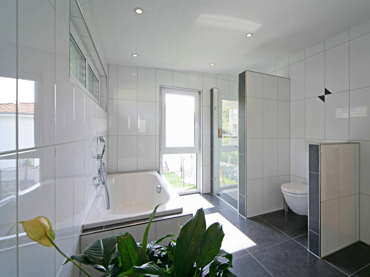 Haus Munk Badezimmer Fertighaus Weiss