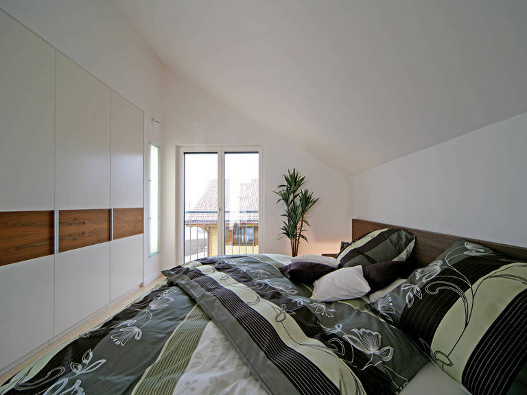 musterhaus erlangen fertighaus weiss. Black Bedroom Furniture Sets. Home Design Ideas