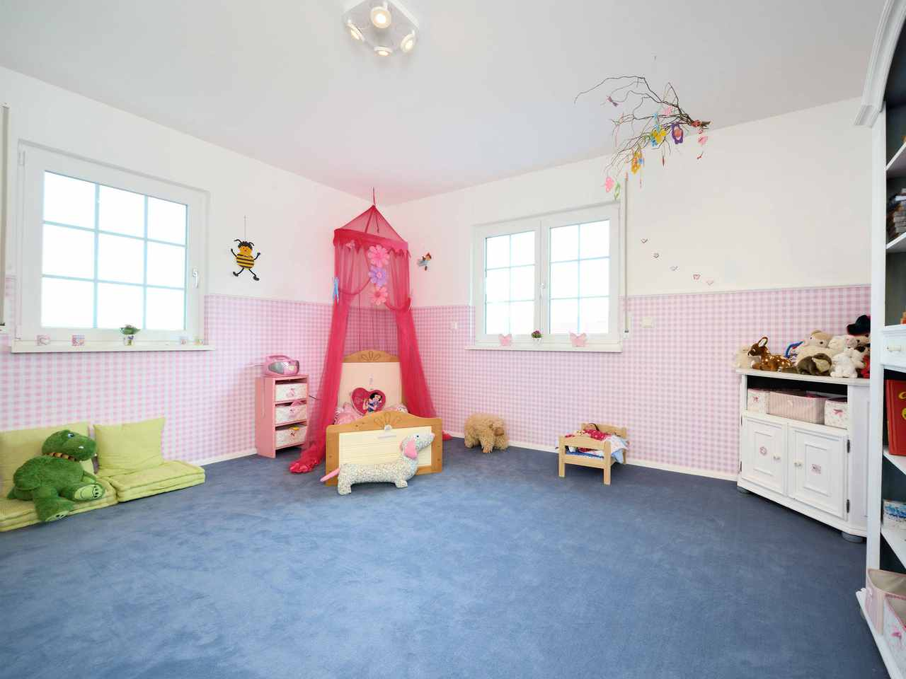 Haus Winter Kinderzimmer Mädchen Fertighaus Weiss