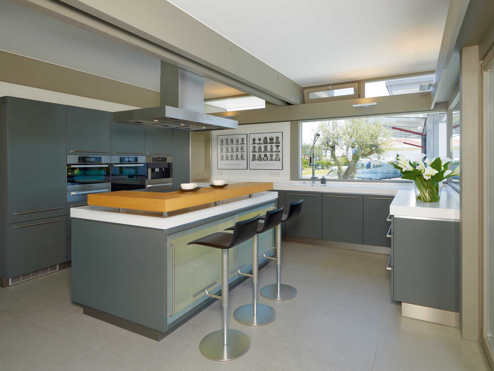 huf haus art 5 mit hangar huf haus. Black Bedroom Furniture Sets. Home Design Ideas
