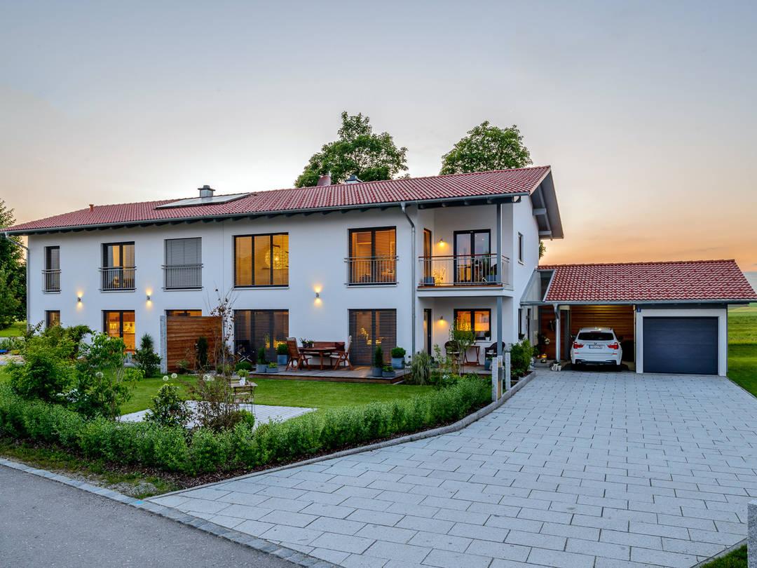 Doppelhaus auen albert haus for Zweifamilienhaus fertighaus