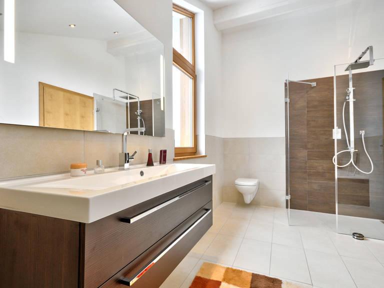Badezimmer - Musterhaus Poing - ALBERT Haus